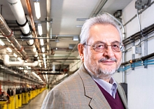 Claudio Pellegrini in the LCLS Beam Transport Hall (Photo by Michelle McCarron.)