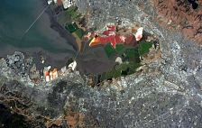 An image of San Francisco Bay salt ponds from space
